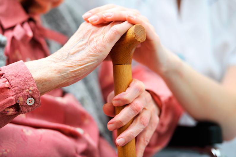 Clases para cuidar a ancianos
